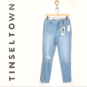 NWT High Rise Skinny Light Wash Distressed Jeans